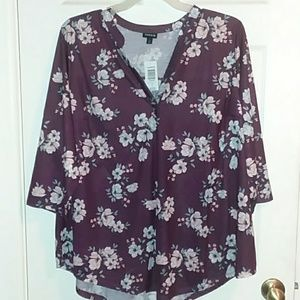 NWT V neck Floral blouse